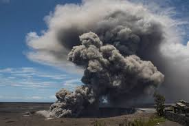 RED ALERT – Hawaii Kilauea Volcano 12,000 Feet Ash Cloud Sparks Aviation Fears Red-alert